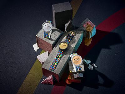 腕间潮酷:斯沃琪 X BAPE 再度携手发布联名腕表