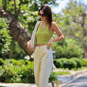 肯豆Kendall Jenner休闲造型现身马里布街头